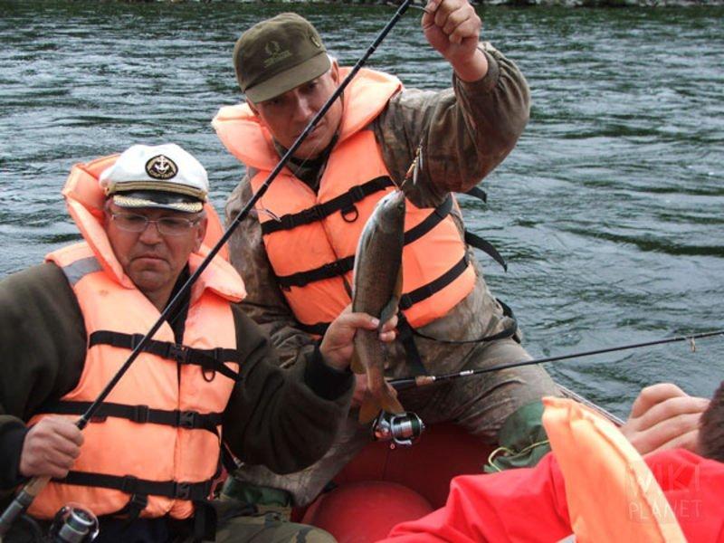 рыболовный сплав по реке видео