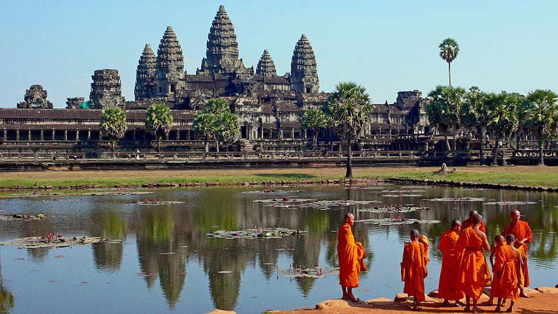 a history of the country of cambodia