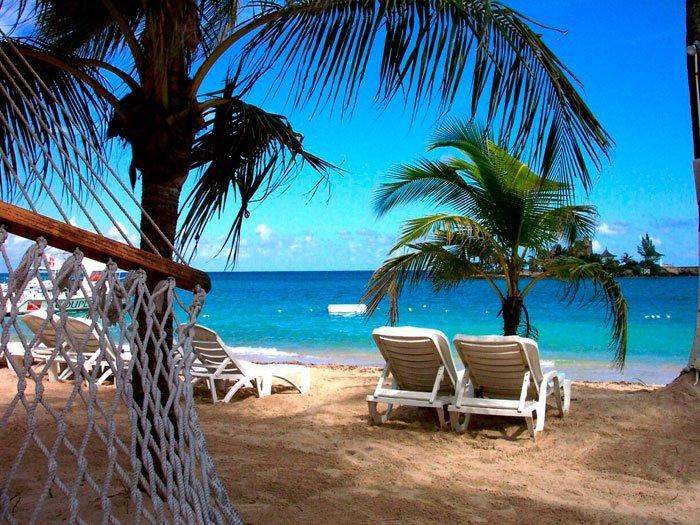 или где лучше отдыхать в апреле за границей сметанным
