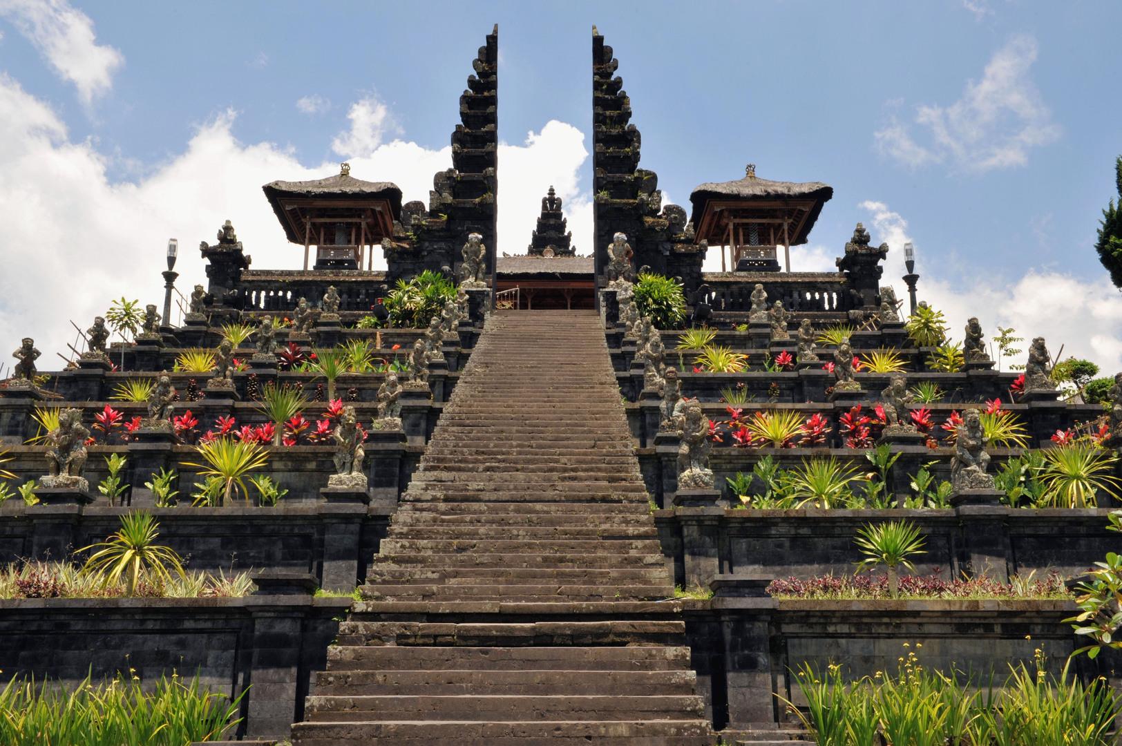 The Oberoi Hotels | Hotels in Bali | The Honeycombers Bali